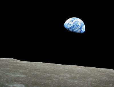 Von der Erde zum Mond - Raum erschließt sich uns durch Entfernungen