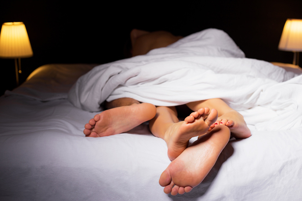 Spaß im Bett, aber ohne Folgen: Um zu verhüten, haben Paare heute zahlreiche Möglichkeiten.