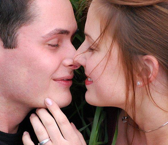 Küssen männer wie verliebte Hat er