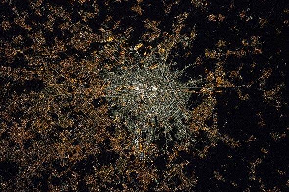 Lichtverschmutzung Karte Europa.Aus Dem Orbit Aufgenommene Bilder Ermöglichen Bessere Analysen Des