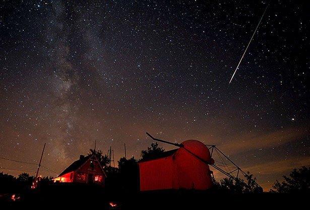 Meteorschauer Erreicht Am 12 August Seinen Hohepunkt Sternschnuppen