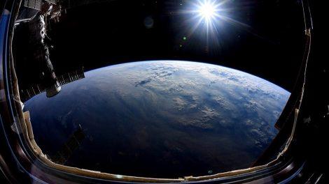 Erde im Spiegelbild
