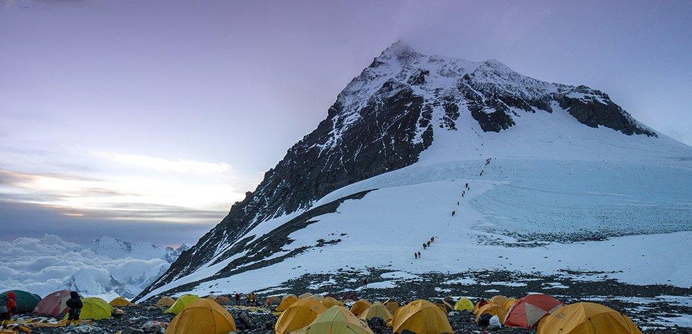 Mikroplastik-selbst-auf-dem-Mount-Everest