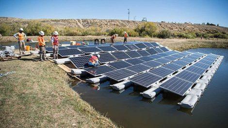 schwimmende Solarmodule
