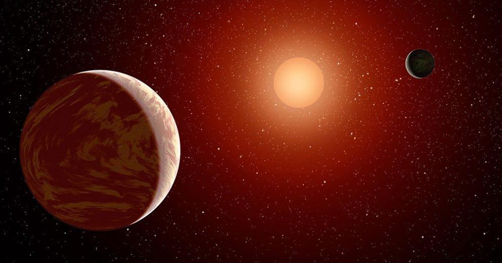 Roter Zwerg mit Planeten