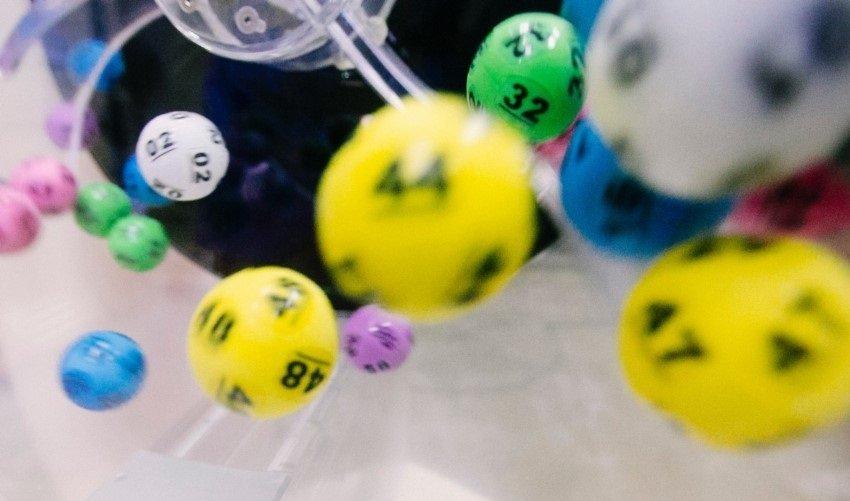Zahlenkugeln eines Lottospiels