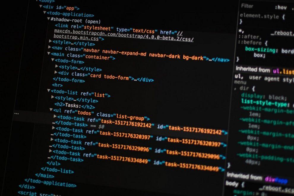 Screen mit HTML- und CSS-Code
