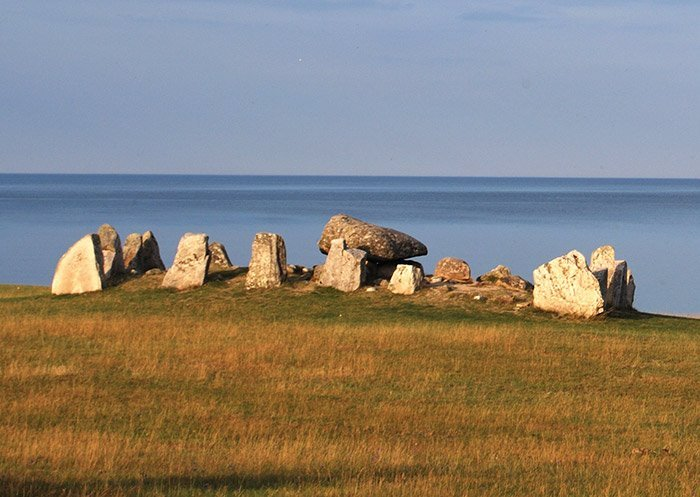 Megalith-Grab in Schweden