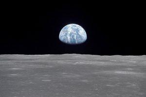 Mond und Erde