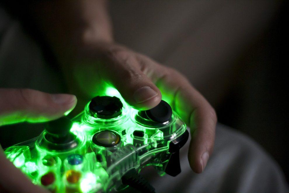 Online-Gaming-Konsole