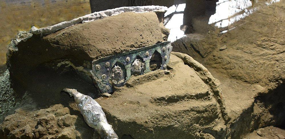Pompeji: Prunkvolle Zeremonial-Kutsche entdeckt