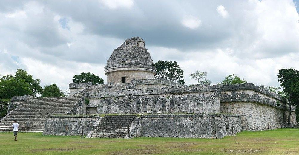 Caracol – der Schneckenturm in Chichén Itzá