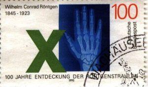 Briefmarke anlässlich des 100. Jubiläums der Entdeckung der Röntgenstrahlen