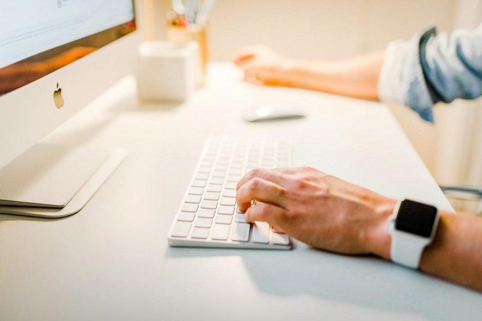 Symbolbild Schreibtischjob