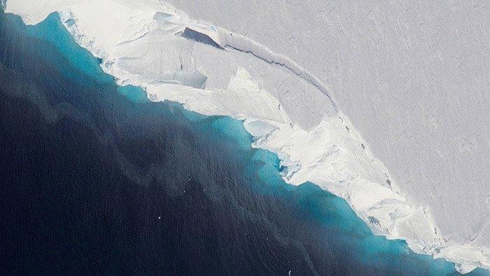 Riesiger Hohlraum unter Antarktis-Gletscher entdeckt - Wissenschaft