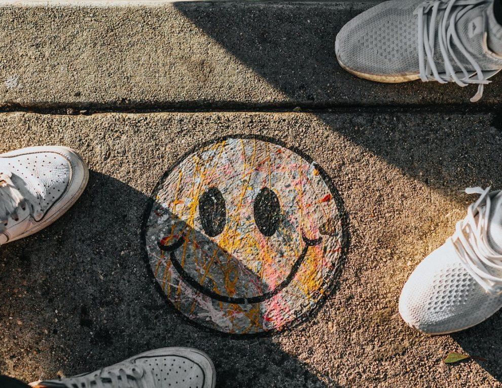 Smiley-Straßenmalerei