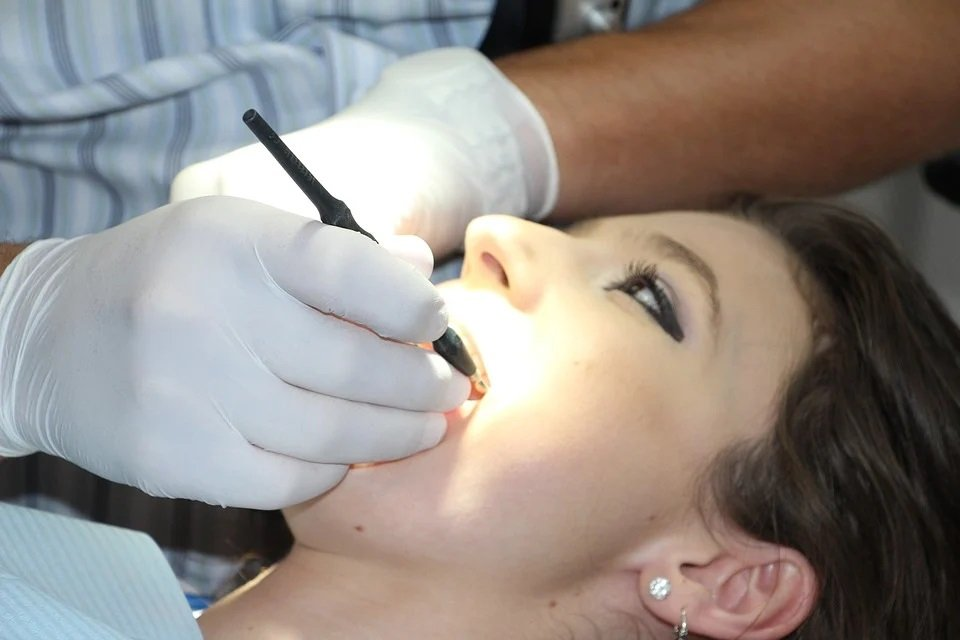 Symbolbild Zahnreinigung