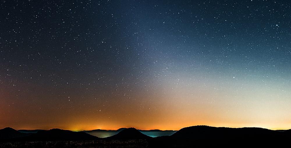 Ist Mars der Urheber des Zodiakallichts? - Ansammlung von Weltraumstaub im Mars-Orbit gibt Rätsel auf - scinexx.de - scinexx | Das Wissensmagazin
